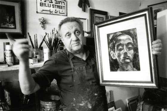 Yosl Bergner in his Tel Aviv studio, 1986. Photo: Trevor Graham, *Make hummus not war*