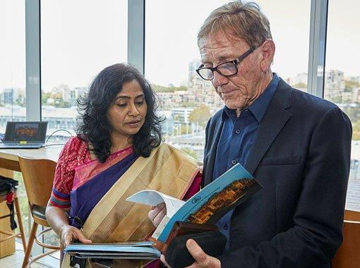 2017 Edmund Capon Fellowship recipient Vandana Sinha, Edmund Capon AM, OBE.