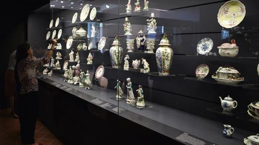 a view inside 18th c European porcelain